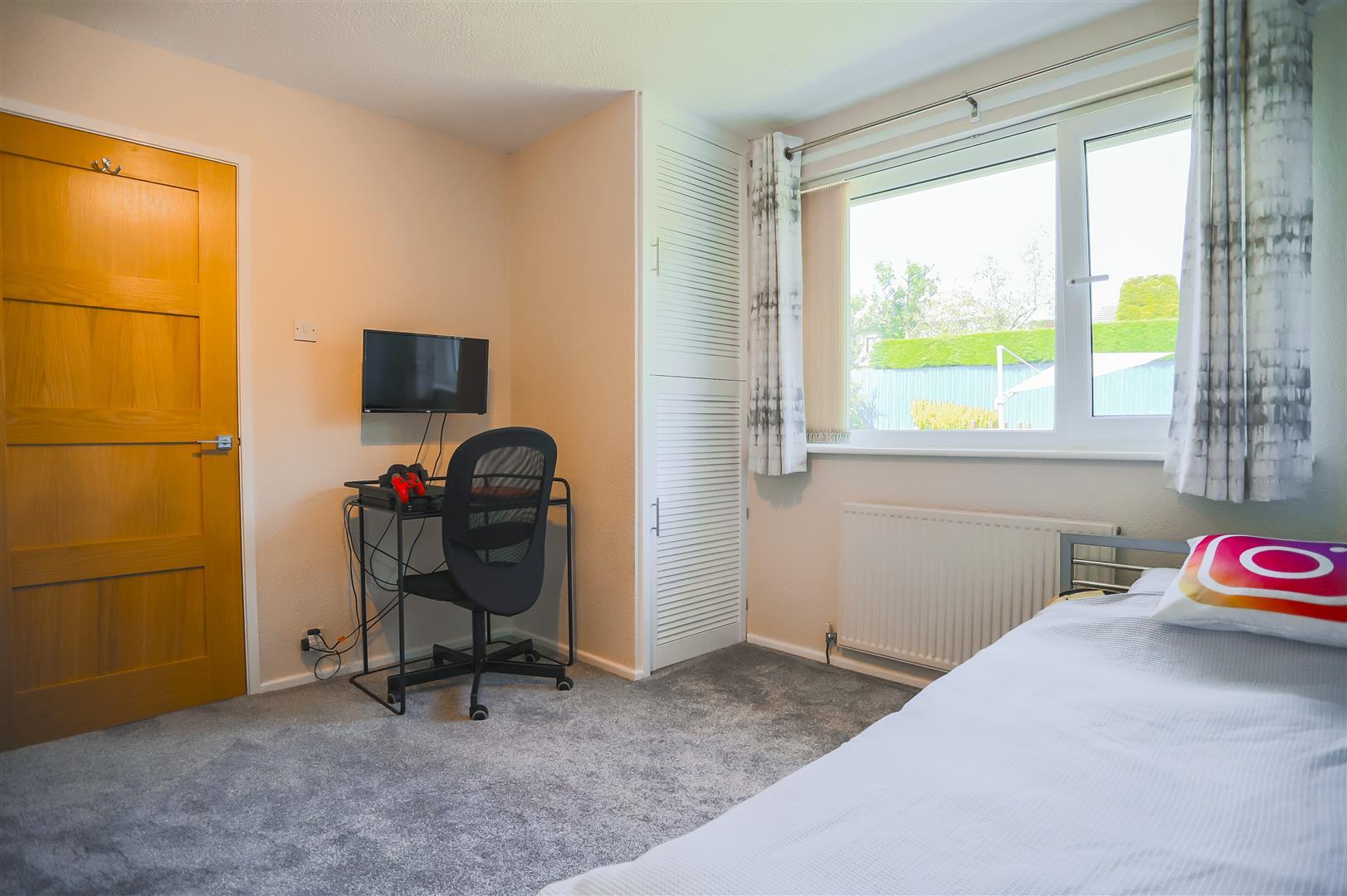 4 Bedroom Semi-detached House For Sale - Image 43